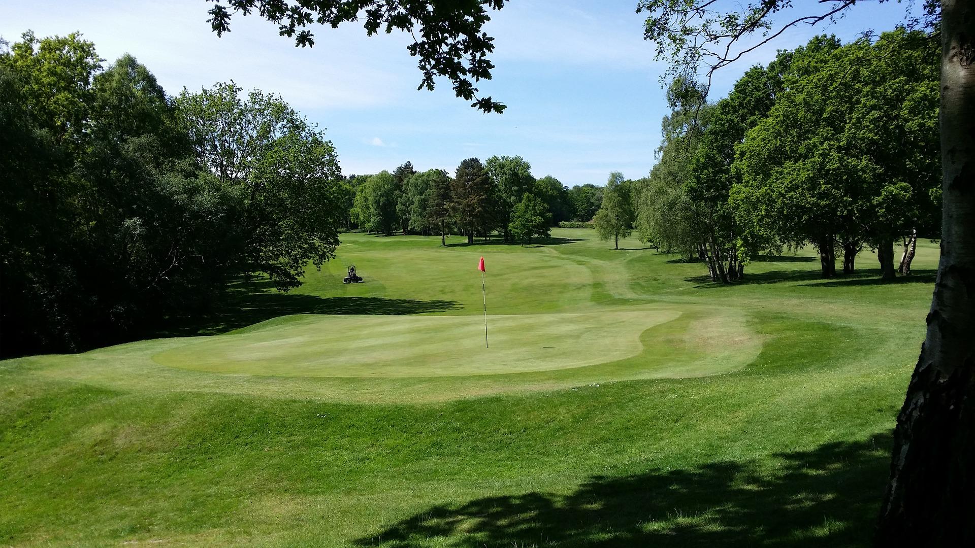 Spela golf med Västra Kretsen