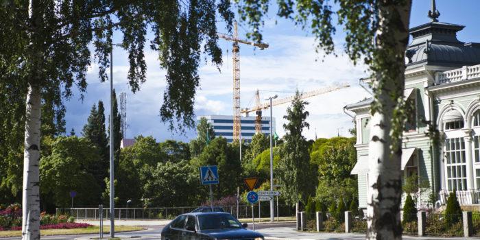 Umeå Forsete med kranar i bakgrunden