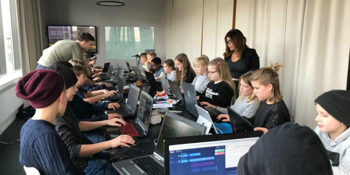 Dataföreningen anordnar höstlovsaktivitet för barn i mellanstadiet – Vi vill uppmärksamma skolans nya IT-strategi!